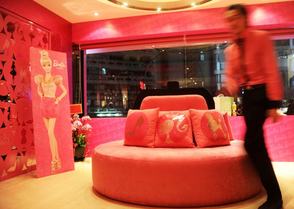 Barbie restaurant_2